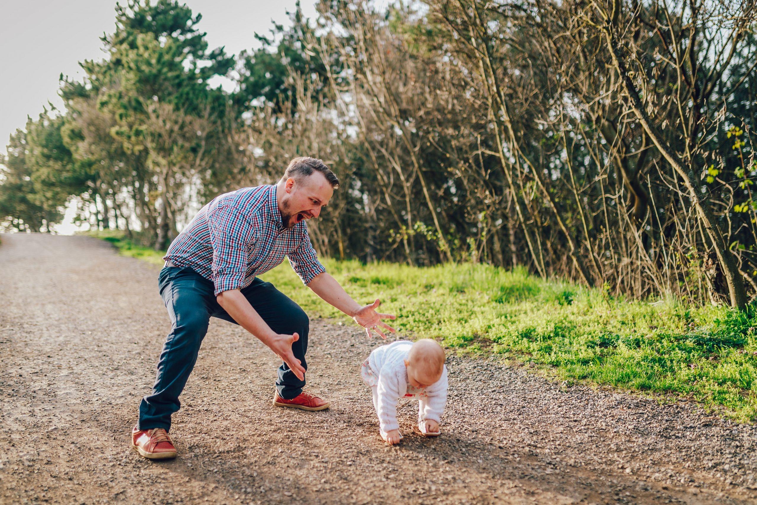 father cares about daughter. /Photographer Marcel Melus https://www.instagram.com/marcelmelus/?hl=sk