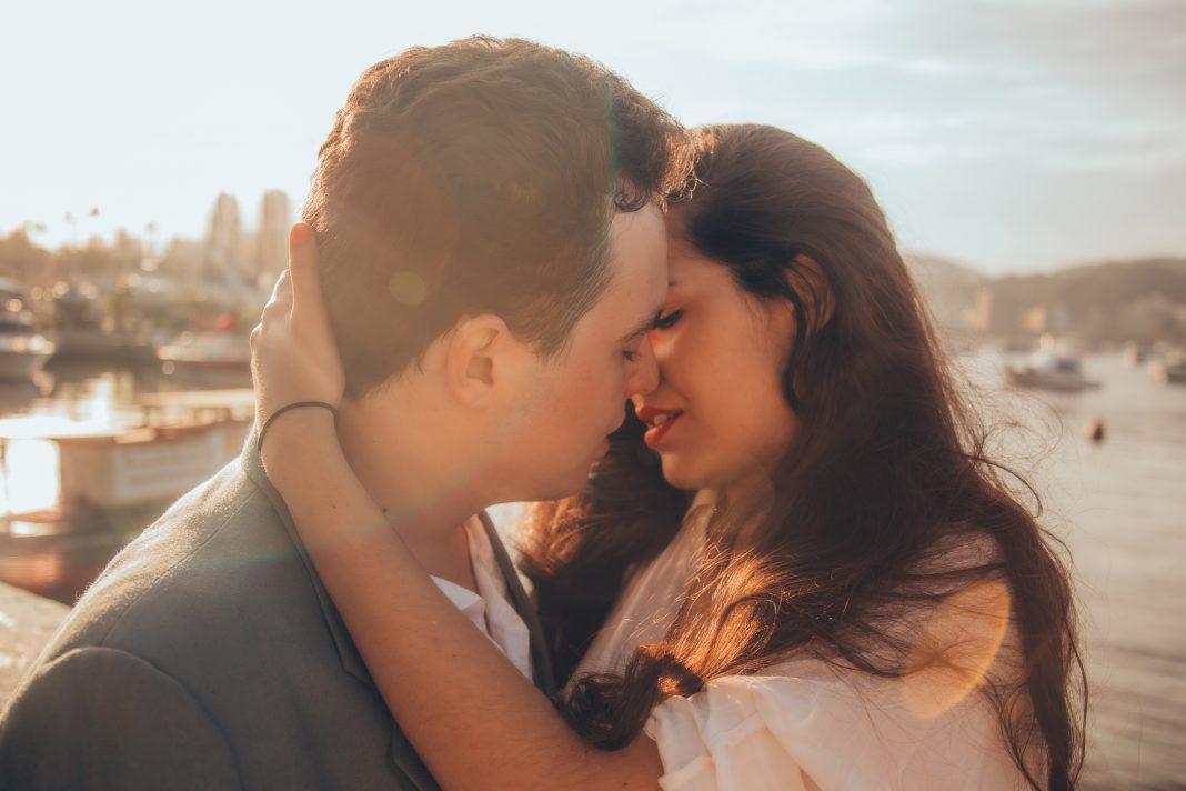 man, woman, kiss