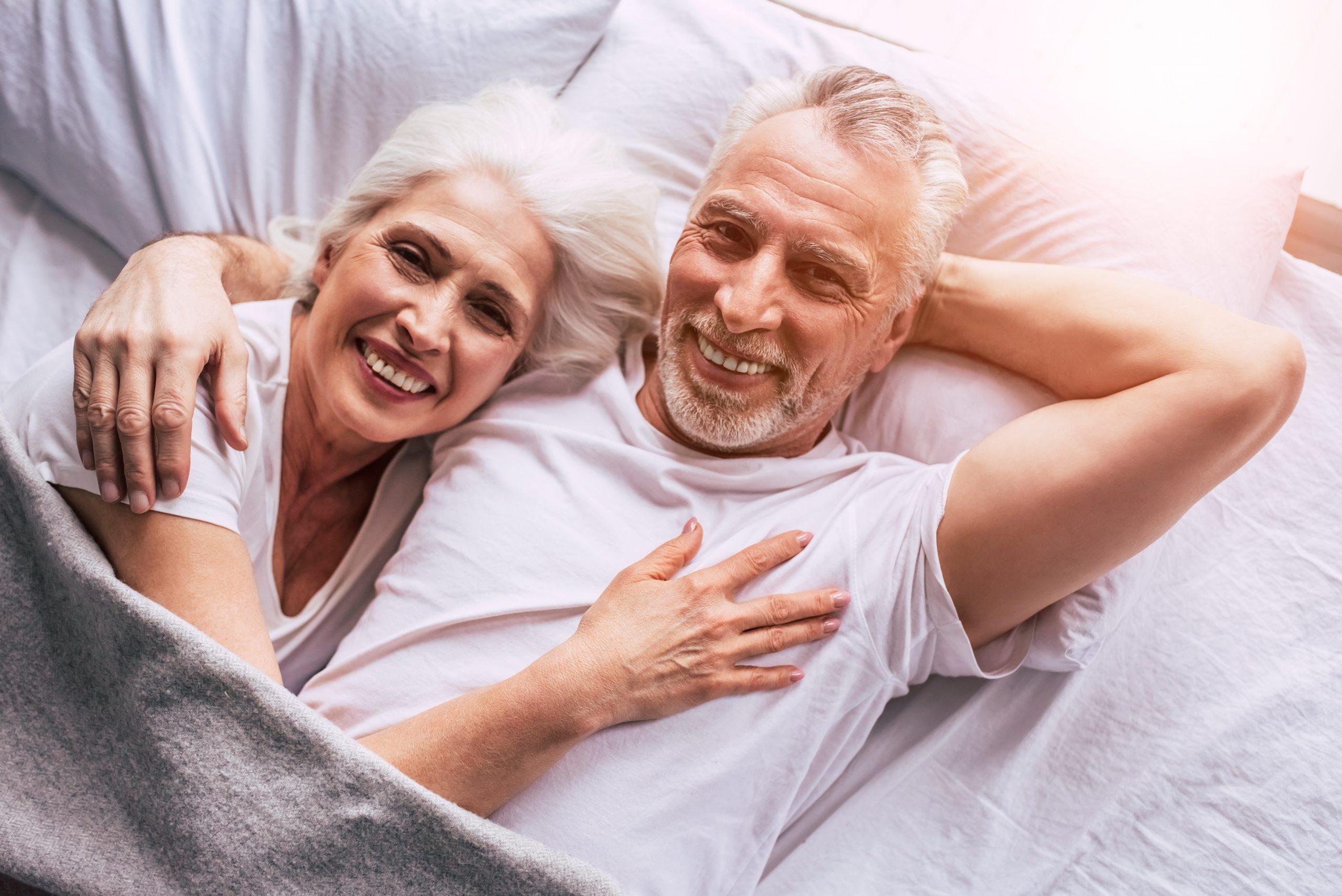 senior, couple, bed